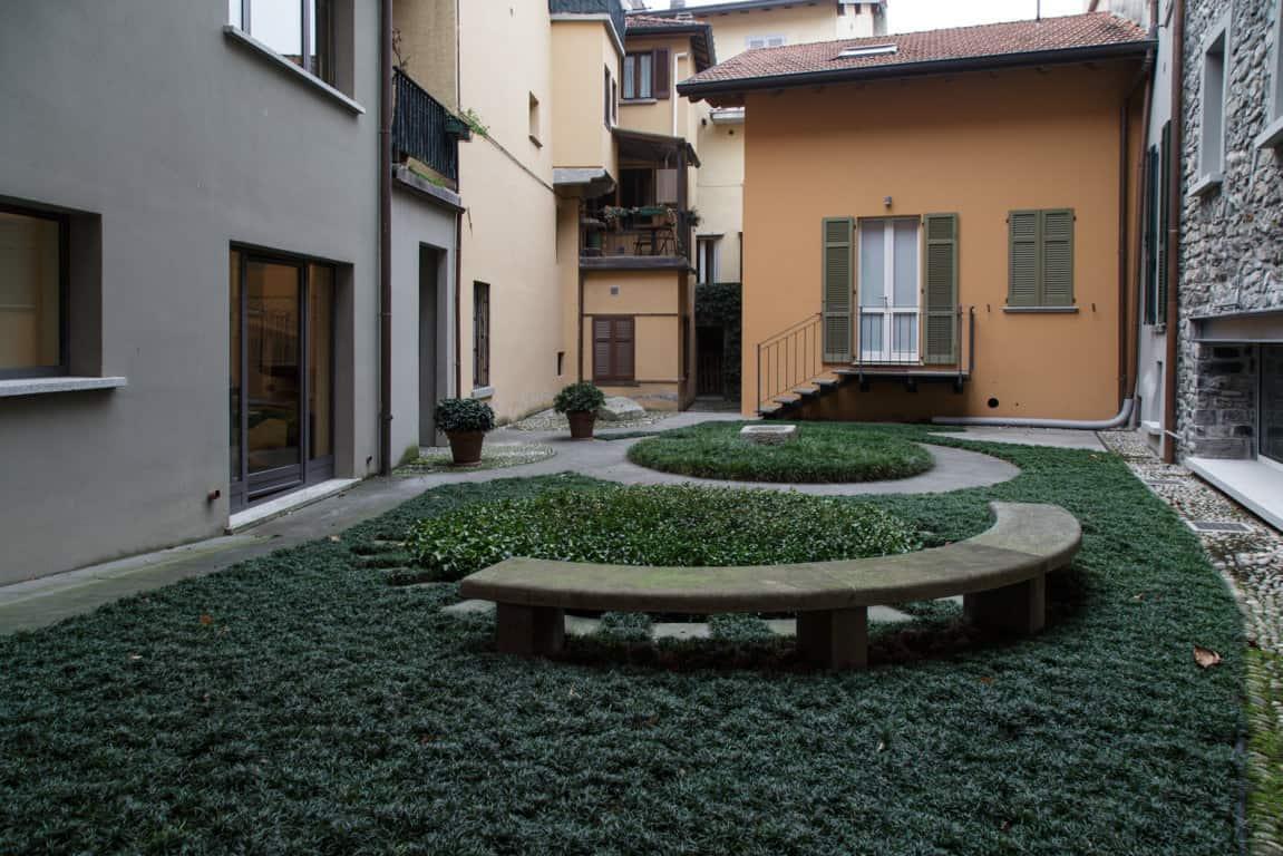 nene-bellagio-courtyard
