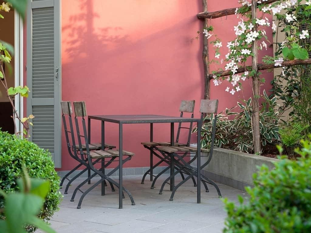 nene-bellagio-terrace-summer-FILEminimizer